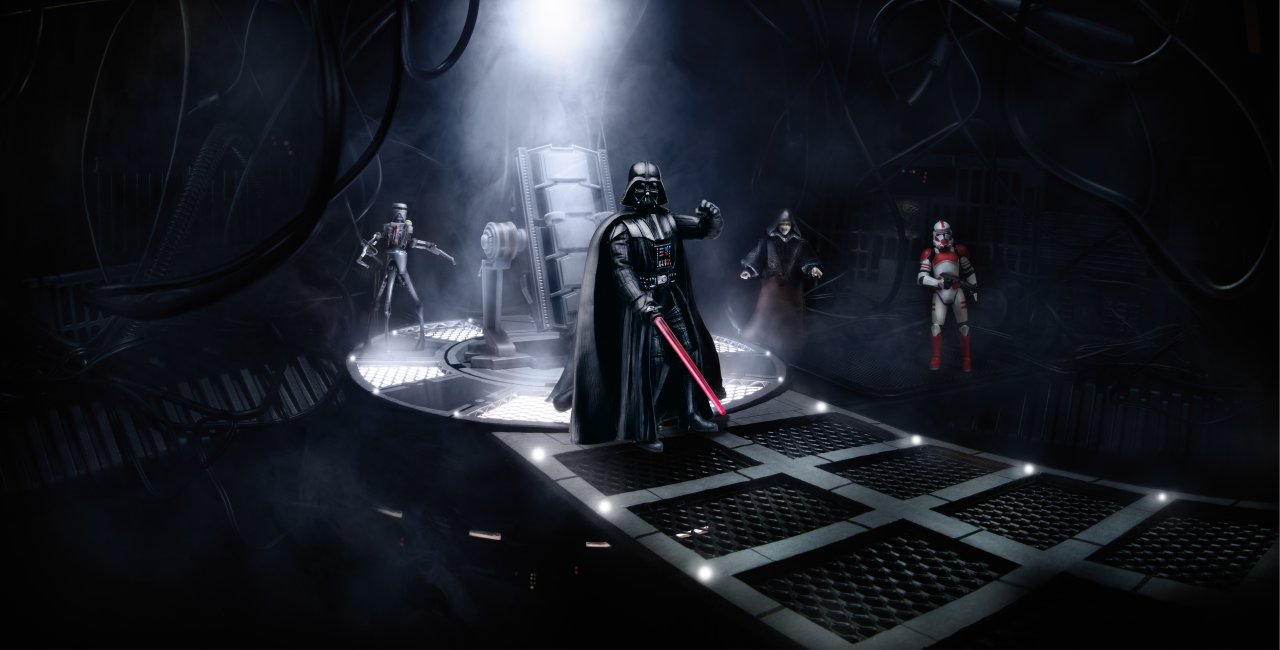 Hasbro toy fair 2013 the empire strikes black series for Interieur vaisseau star wars